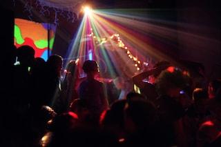 Caso di razzismo alla discoteca Costez-Nikita, l'agenzia di security sospende il buttafuori
