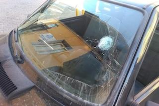 Milano, sparatoria in viale Monte Grappa: colpi di pistola contro un'auto con a bordo due persone