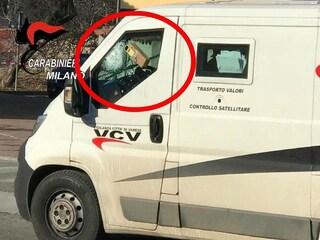 Assalto al portavalori con una finta bomba a Peschiera Borromeo: fermati i tre rapinatori