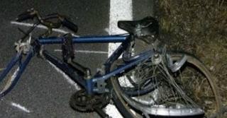 Milano, ubriaca travolge un ciclista nella notte: 23enne è in coma in condizioni disperate