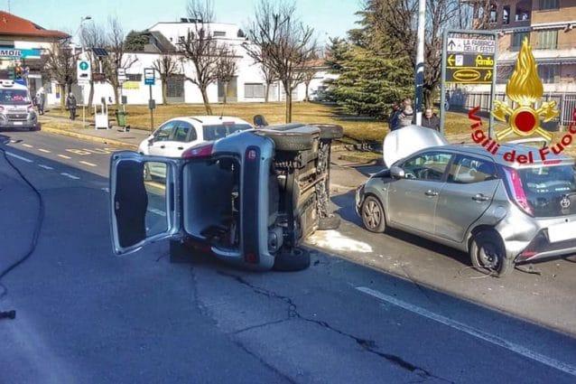 L'incidente a Cesano Maderno (Foto Vigili del fuoco)