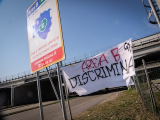 """Area B, è scontro tra Comune e Regione Lombardia. Fontana: """"Milano pensa solo a se stessa"""""""
