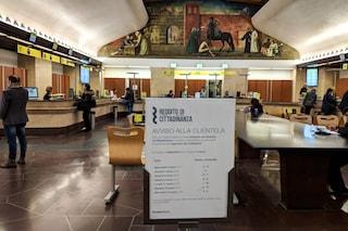 Reddito di cittadinanza, al via le richieste anche a Milano: poca gente in coda al mattino