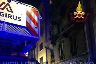 Incendio in un appartamento nel centro di Milano: evacuato il palazzo