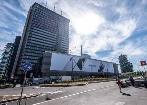 """Milano, il """"Pirellino"""" venduto all'asta a prezzo record alla Coima di Catella: 175 milioni di euro"""