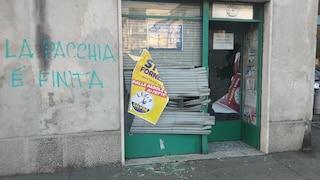 """Devastata la sede della Lega di Fagnano Olona, vetri rotti e la scritta: """"È finita la pacchia"""""""