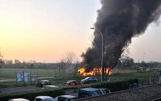 Zogno, autobus prende fuoco improvvisamente: salvi tutti i passeggeri