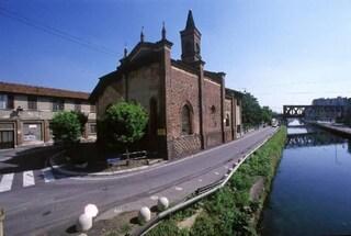Milano, parroco muore impiccato dall'imbracatura mentre pulisce le grondaie della chiesa