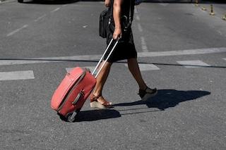 Vigevano, abusava dei permessi della Legge 104 per il padre disabile: 44enne denunciata per truffa