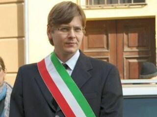 Casalmaggiore, donna non sa leggere il giuramento in italiano: il sindaco le nega la cittadinanza