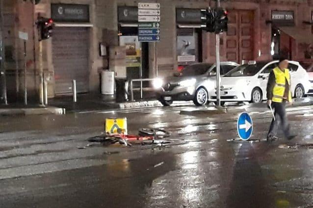 L'incidente che ha coinvolto il rider (Foto: Deliverance Milano)