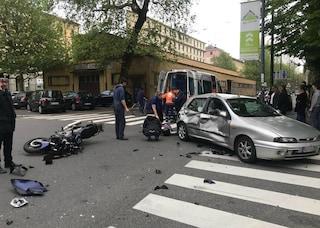 Milano, incidente stradale in viale Umbria: auto contro scooter, morto motociclista di 47 anni