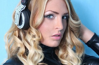 Sfruttamento della prostituzione: arrestata la dj e showgirl Kyra Kole, nel cast di Ciao Darwin