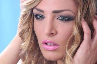 """Massaggi hot, niente domiciliari per l'ex showgirl di Ciao Darwin Kyra Kole: """"Può fuggire"""""""