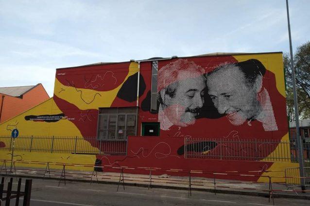 Il murale dedicato a Borsellino e Falcone (foto dalla pagina Facebook dell'artista Chekos art)