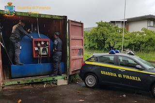 Como, il benzinaio è economico ma abusivo: la finanza chiude un self service illegale a Guanzate