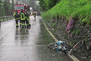Si schianta con la bici contro un'auto: morto il milanese Roberto Silva, proprietario di Chanteclair
