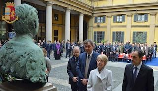 Milano, la città ricorda il commissario Calabresi e la strage di via Fatebenefratelli