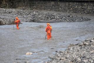 Si tuffa per recuperare la palla, 17enne muore inghiottito dalla corrente nel fiume