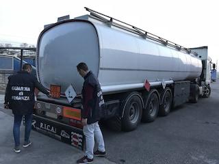 Milano, maxi sequestro della guardia di finanza: 62mila litri di gasolio di contrabbando