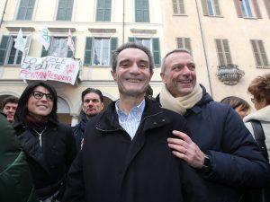 Il presidente della Regione Lombardia, Attilio Fontana, con l'ex socio Luca Marsico all'avvio della campagna elettorale.