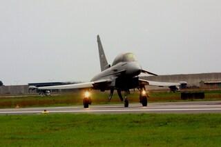 Milano, aereo diretto a Linate perde il contatto radio: caccia si alza in volo per intercettarlo