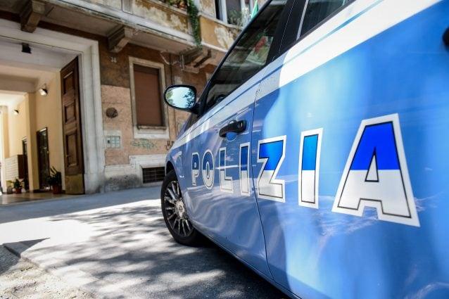 Milano, ladro ruba l'incasso di una pasticceria ma perde la carta d'identità durante il colpo