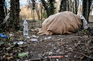 """Milano, la ragazza che ha partorito al bosco della droga: """"Guarirò dall'eroina grazie a mio figlio"""""""