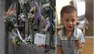 Bimbo ucciso dal padre a Milano: pochi alla fiaccolata a San Siro per ricordarlo
