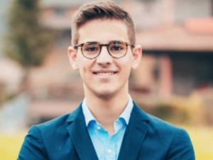 Michele Schiavi, 19 anni, sindaco di Onore (BG)