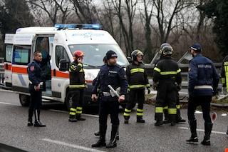 Busto Arsizio, si schianta con l'auto e finisce fuori strada per un malore: morto un 62enne