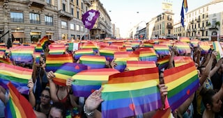 Omofobia a Milano, minacce e stalking nei confronti dei vicino di casa gay: arrestato