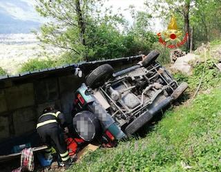 Artogne, fuoristrada sfonda la recinzione e precipita per 20 metri in una scarpata: ferito 68enne