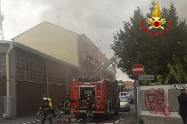 L'intervento dei vigili del fuoco a Rozzano