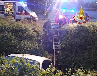 Mulazzano, auto con tre giovani a bordo sbanda e finisce in un fosso: morta una ragazza di 15 anni