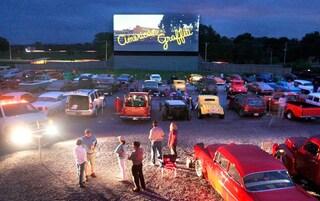 A Milano inaugura Bovisa Drive-in: dal 14 giugno film, musica e street food in stile anni '50