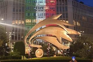 Milano, l'Arma dei Carabinieri compie 205 anni: inaugurata la nuova illuminazione al monumento