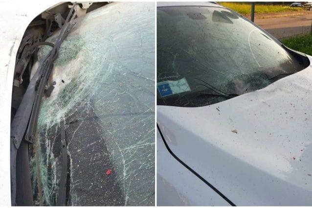 I danni provocati dall'ordigno all'auto del sindaco di Vermezzo