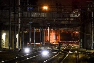 Milano, ragazzo di 26 anni travolto da un treno alla stazione Greco Pirelli: è gravissimo