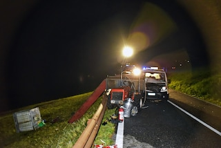 Tragico incidente nel Cremonese: 21enne muore dopo essersi schiantato contro un trattore