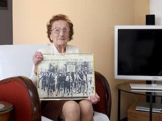 """Milano, è morta a 108 anni la partigiana Emma Fighetti: sarta """"sovversiva"""" della Resistenza"""