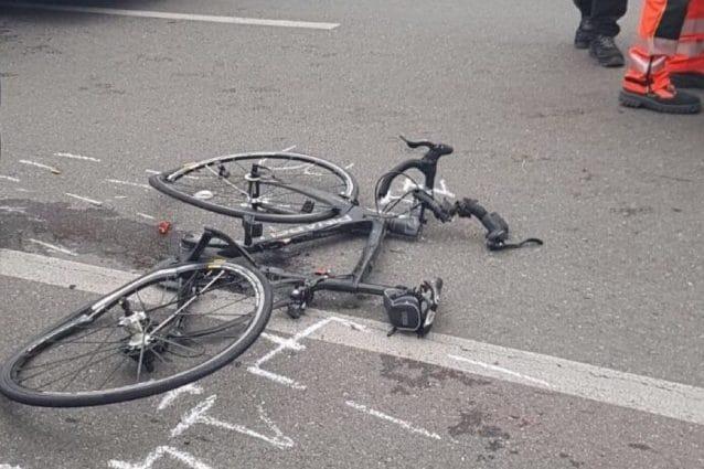 Como, travolge un ciclista ad Appiano Gentile e non si ferma: il pirata della strada ha 96 anni