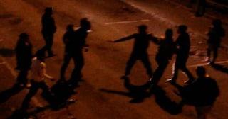 Movida violenta a Milano, ragazzini aggrediti dal branco in Darsena: due feriti e quattro arrestati