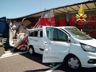 Incidente sulla Autostrada A1, tir si schianta contro lo svincolo per la Tangenziale Ovest