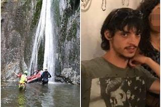 Travedona Monate piange Matteo Rossi: il 22enne morto in un incidente alle cascate di Cittiglio