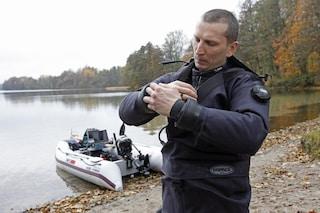 Tenta di battere il record mondiale di immersione, Sebastian Marczewski muore nel lago di Garda