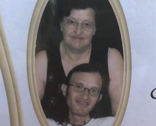 Terno d'Isola, madre e figlio disabile morti in casa: giovedì i funerali di Felicita e Thomas