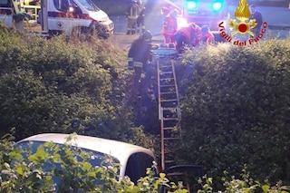 Albairate, esce fuori strada lungo la strada provinciale 14 e finisce in un fossato: muore 50enne