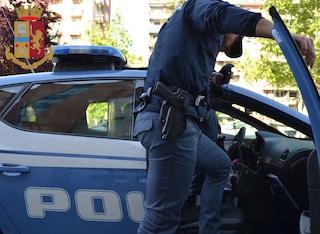 Pomeriggio di follia a Varese: coppia insulta mendicante, picchia ragazza e aggredisce polizia