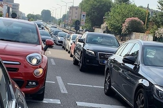 Milano, incidente in via De Gasperi: due feriti e chilometri di coda